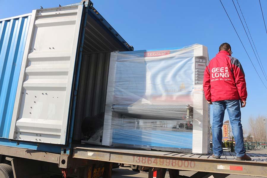 полная машина для производства фанеры экспортируется нашему клиенту в Индонезии