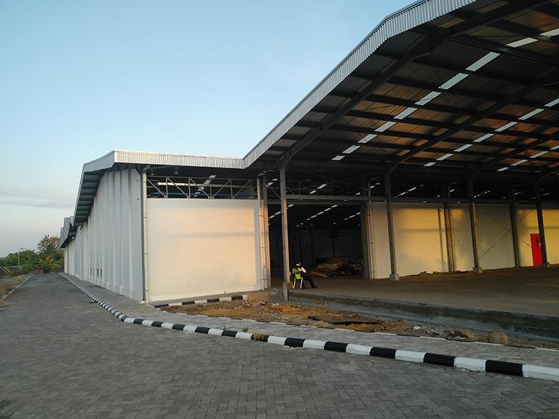 Полная линия по производству фанеры установлена в Сурабая, Индонезия